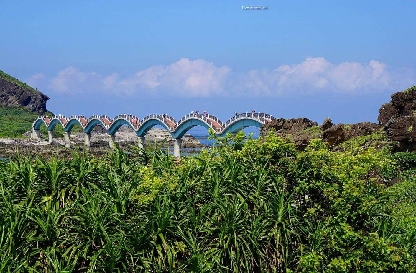 Sanxiantai Dragon Bridge