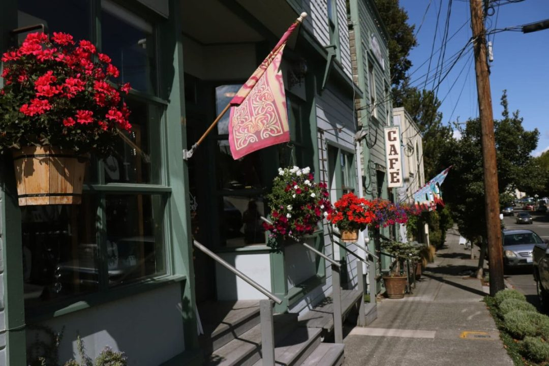 port-townsend-sidewalk