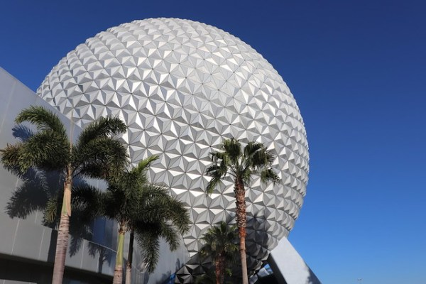 Spaceship Earth and palm trees in Epcot