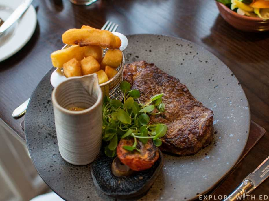 10oz sirloin steak with twice cooked chips at Newbridge on Usk