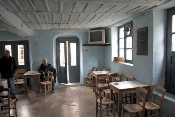 Πού βρίσκεται το παλαιότερο καφενείο της Ελλάδας που μετρά δύο αιώνες