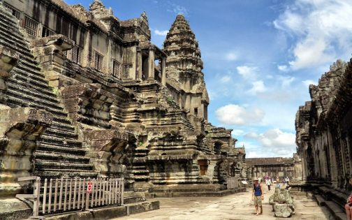 Must See Temples: Getting our Tomb Raider on at Angkor Wat