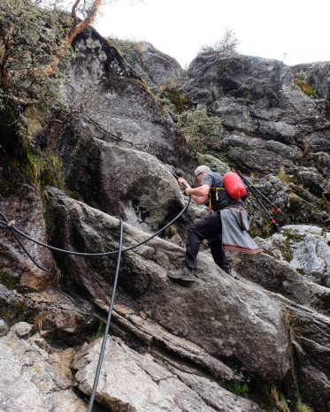 Laguna Churup rock climb ropes