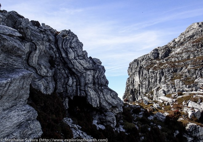 Frenchman's Cap in the Franklin-Gordon Wild Rivers National Park - Tasmania, Australia, Quartzite, Bedding Folds, S1
