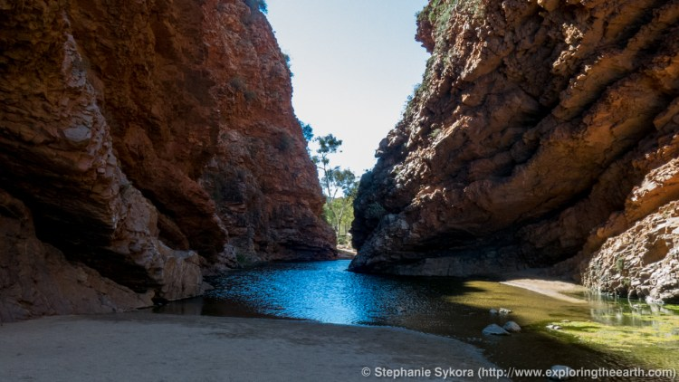 Australia, Geology, Northern Territory, Map, Travel, Adventure, Camping, Science, Geography, Blog, Rocks, Outback, Photography, 3-D photography, National Park, Explore, Outdoors, Nature, Earth, Earth Science, Geoscience, Hiking, Bushwalking, Scientific Communication, Trip, Education, Landscape, the gap, Alice Springs, drones, UAV, drone, 3D, red centre, outback, simpson gap