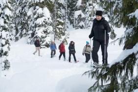 snowshoeing, mount washington, snowshoing vancouver island, matthew lettington