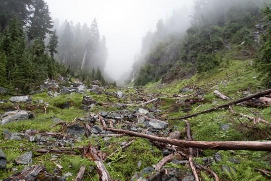jagged-mountain-hiking-screen-1408