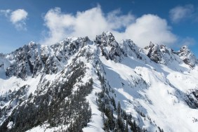 looking back to the Mackenzie Range. Mackenzie Peak, Red Wall, etc
