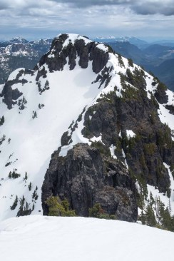 A final high point on the ridge of Mount Sarai