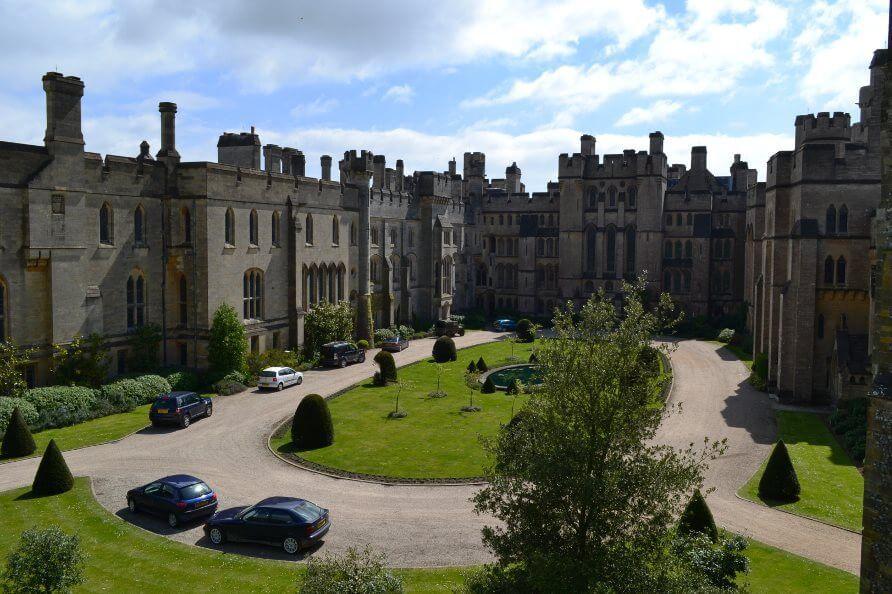 Arundel_castle_garden