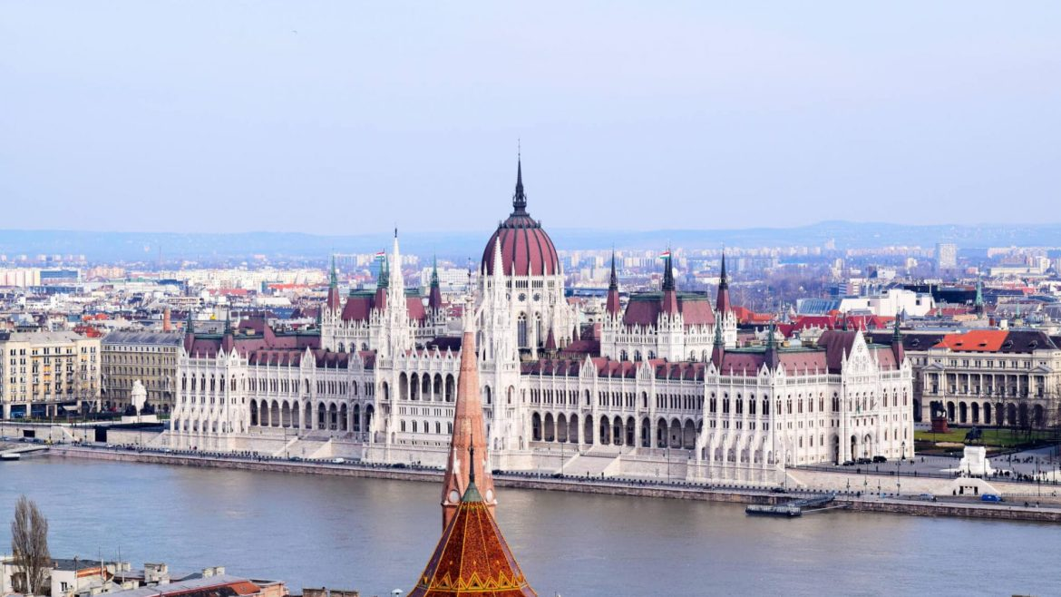 THE DIGITAL NOMAD GUIDE TO BUDAPEST