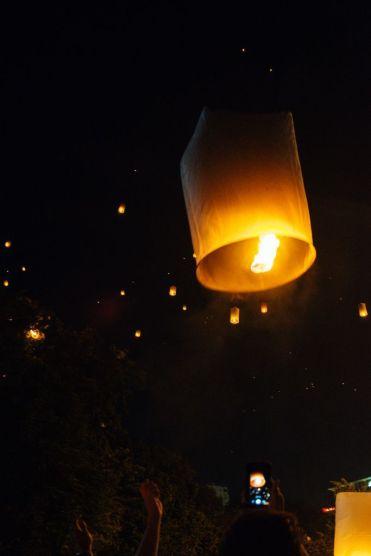 YiPeng5 - Gids voor het lantaarnfestival in Chiang Mai: Yi Peng festival
