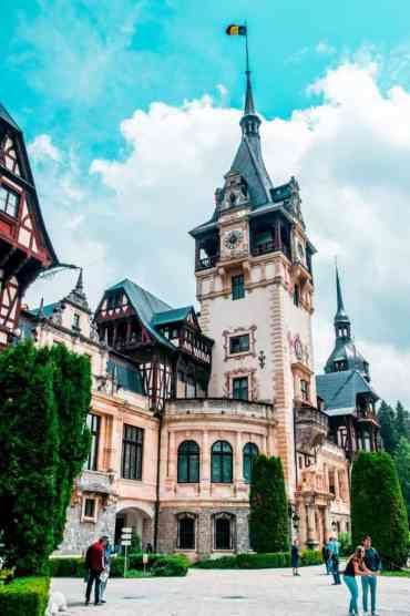 Peles Castle 5 - Dit zijn de 17 mooiste plekken in Roemenië die je niet mag missen!