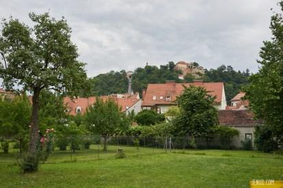 Blick auf die Schlossbergbahn.