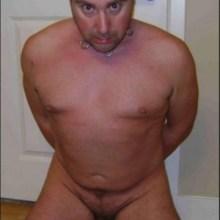 CumDumpAndy Kneels