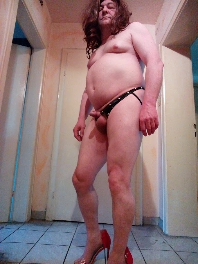 Sissyformen blogger loves to swallow cum