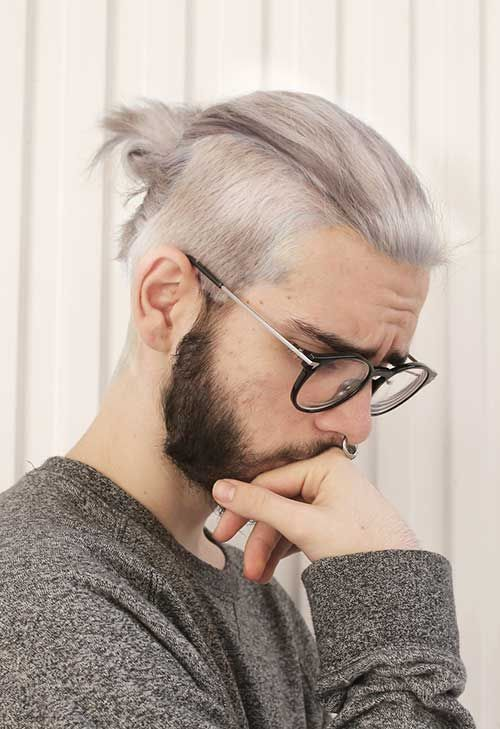 ponytail hairstyle for man