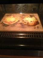 Pizza mit Pizzastein