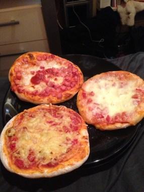 Drei Pizzen für Ju