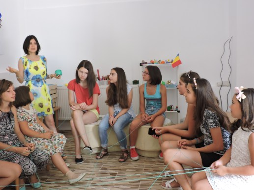 Atelier de dezvoltare personală dedicat adolescenților la 23 iulie 2016. Voluntar: psiholog Cosmina Olteanu Biblioteca Orăşenească Murfatlar, judeţul Constanţa, bibliotecar Carmen Balaban