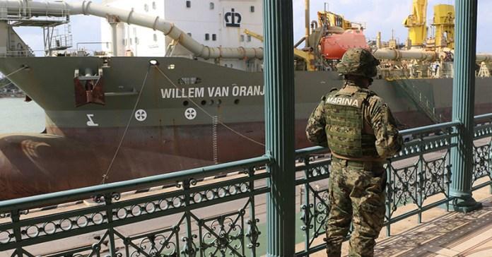 Aduanas y puertos a cargo de Sedena y Semar - Expreso