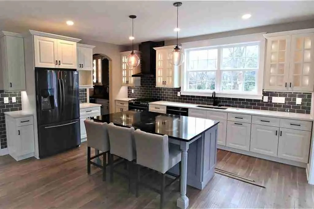 21st Century Cabinetry Avalon Large View