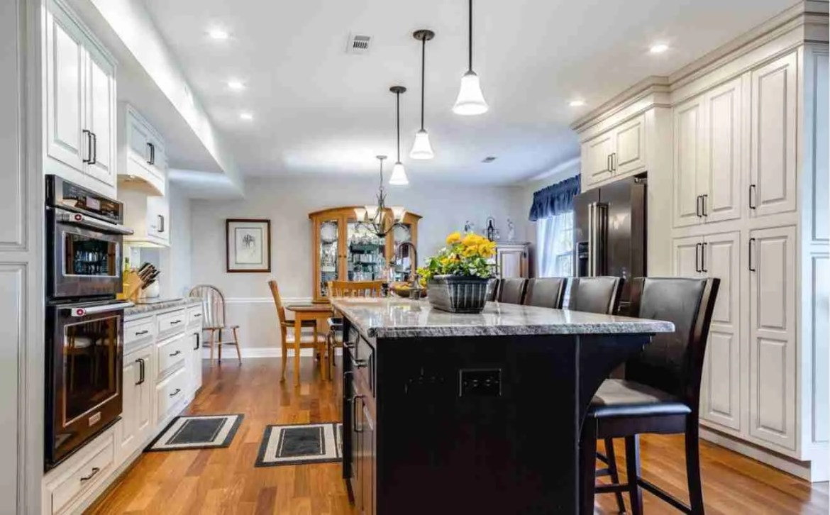 Starmark Cabinetry Mix Color Kitchen Cabinets
