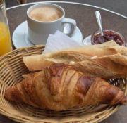 petit-dejeuner desayuno en Francia
