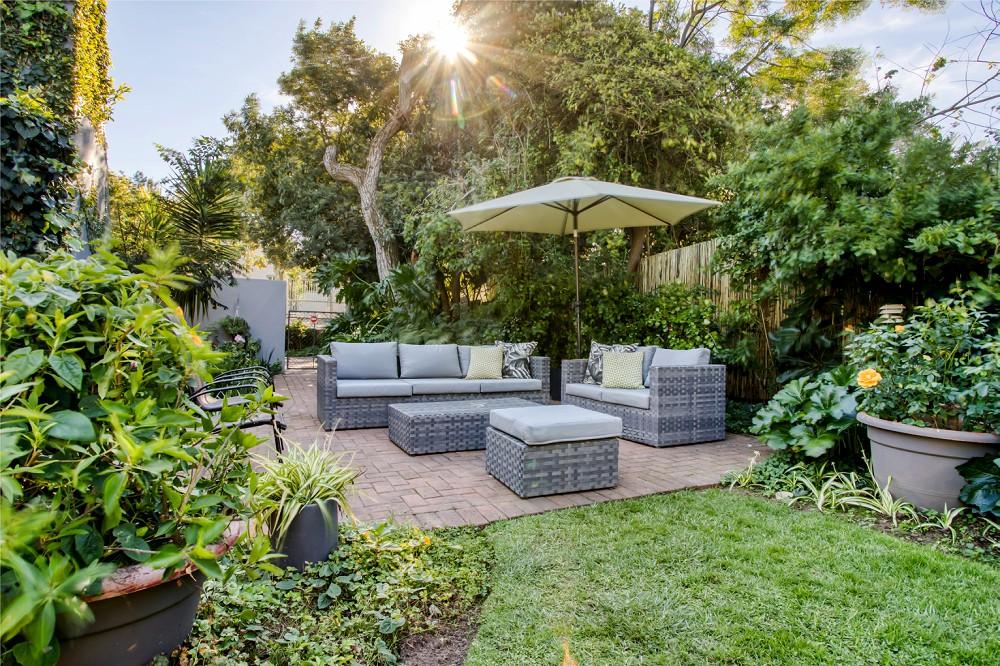 Durbanville Interior Photography Highlands Lodge garden