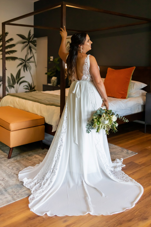 Intimate Wedding Fransmanshuijs bride