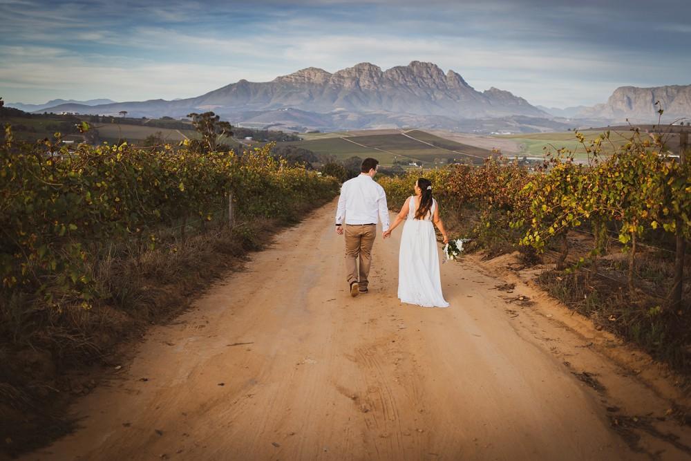 Intimate Wedding Fransmanshuijs mountain views