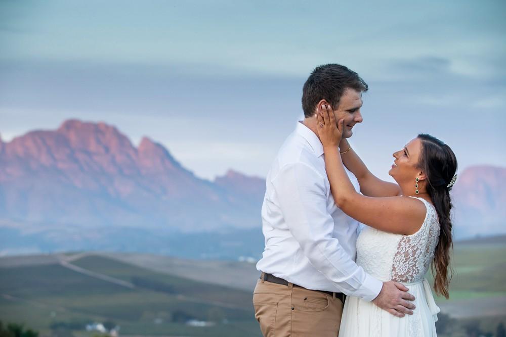 Intimate Wedding Fransmanshuijs bride and groom mountain views