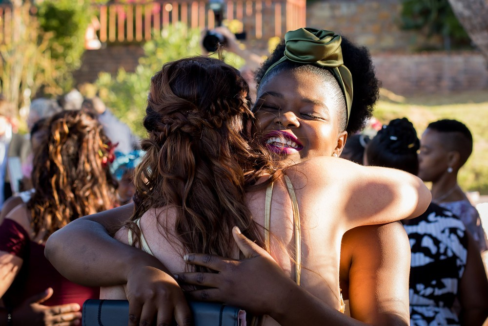 Getting married in Cape Town guest hugs