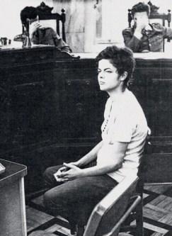 Dilma Rousseff aos 22 anos em julgamento na época da Ditadura Militar