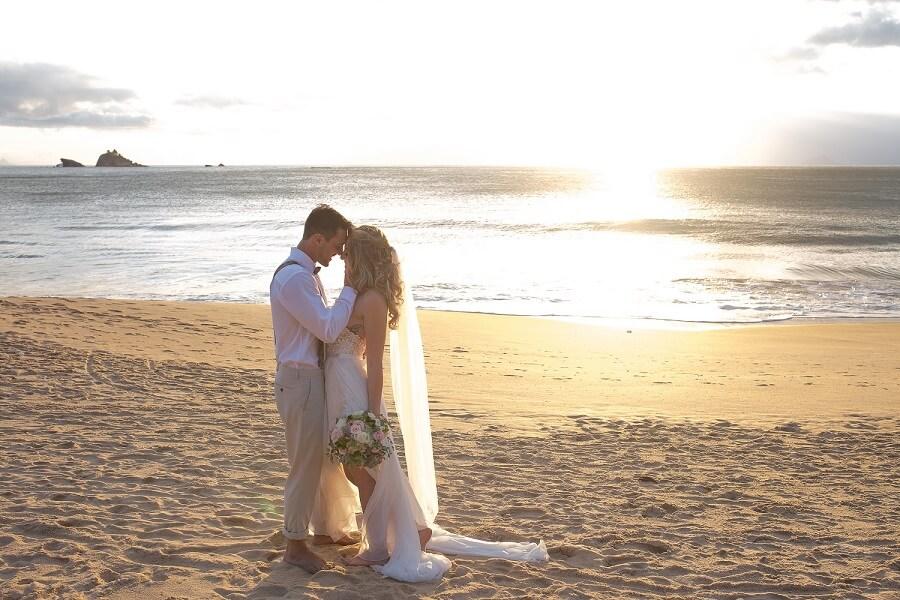 expresso gourmet casamento na praia noivos 1 Casamento na Praia: 5 Segredos de Sucesso