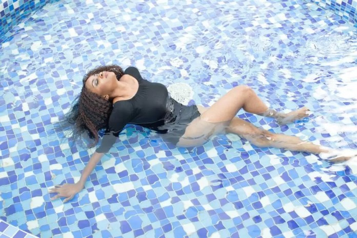 EMNews - MBGN Miss Amity 2015 Azuike Princess Releases Stunning Birthday Photos 4