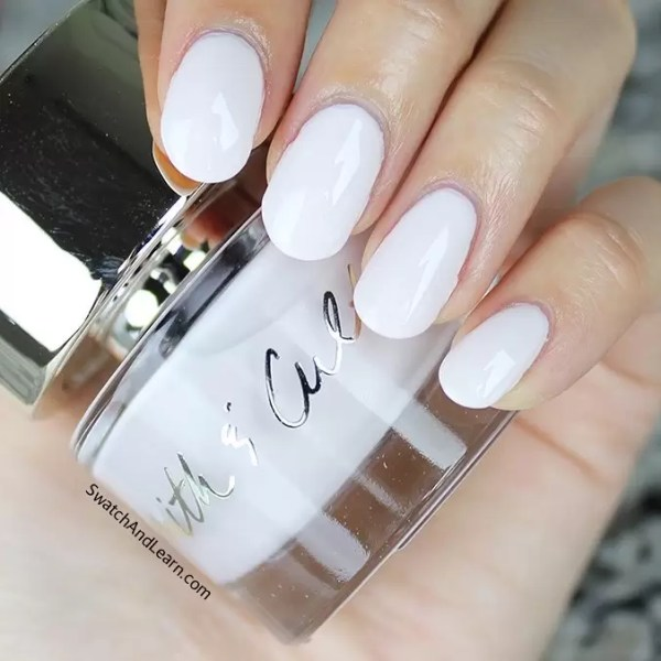 Feet Fetish: Have You Jumped On The White Nail Polish Trend? 1