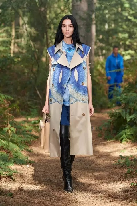 Check Out The Burberry Spring 2021 Ready-To-Wear Collection 2