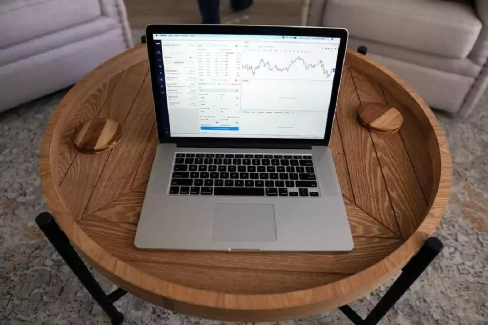 The Beginners Guide To Stock Market – Benefits, Tips and Hints