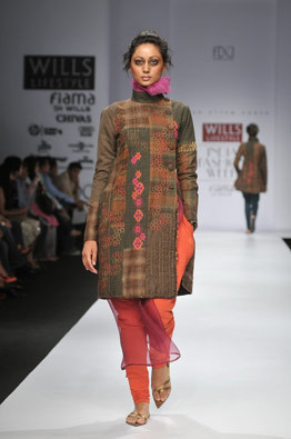 kiran-uttam-ghosh-colour-layers