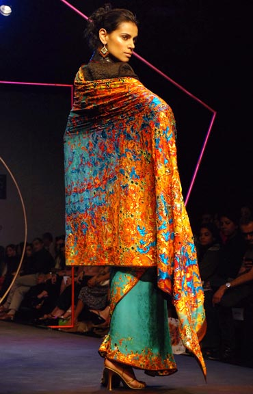 four-elements-saree-at-sp-aw09