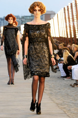 Chanel Resort 2010 shoulder drape dress on Exshoesme.com