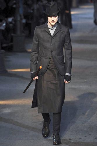 Alexander McQueen FW09 menswear 3 piece suit with skirt on Exshoesme.com
