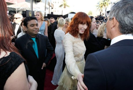 A. R. Rahman and Florence Welch at the Oscars 2011 on exshoesme.com