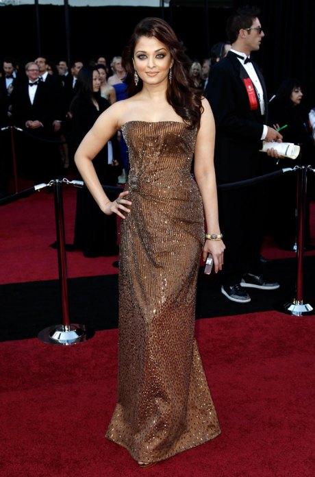 Aishwarya Rai at the Oscars 2011 on exshoesme.com