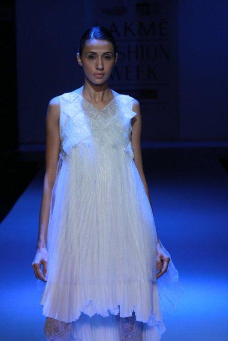 Somarta Dress at Lakme Fashion Week Tokyoeye Summer Resort 2011 on exshoesme.com