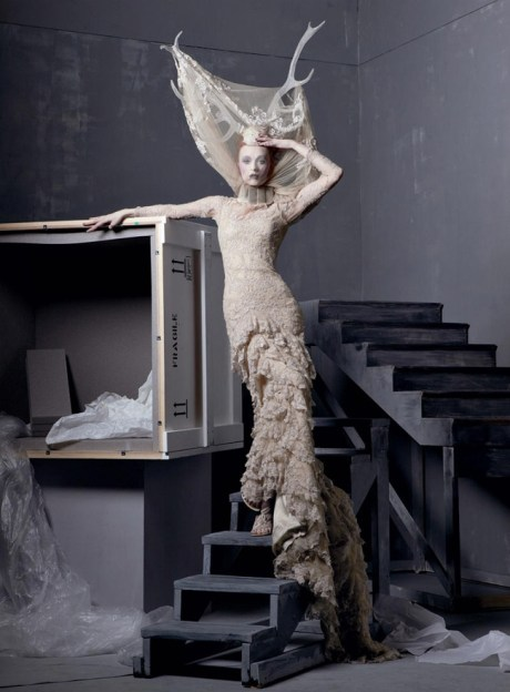 Vogue May 2011 Steven Meisel Alexander the GreatFrom the Widows of Culloden collection, Fall 2006 on exshoesme.com