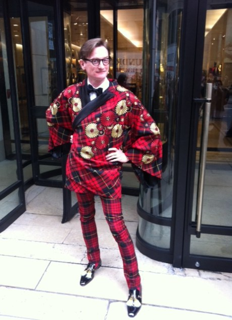 Hamish Bowles before the McQueen Met Gala 2011 on exshoesme.com.