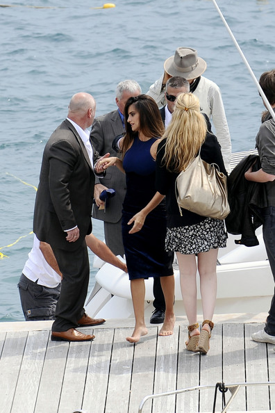 Johnny Depp and Penelope Cruz going for boat ride in Antibes during the 2011 Cannes Film Festival on exshoesme.com.