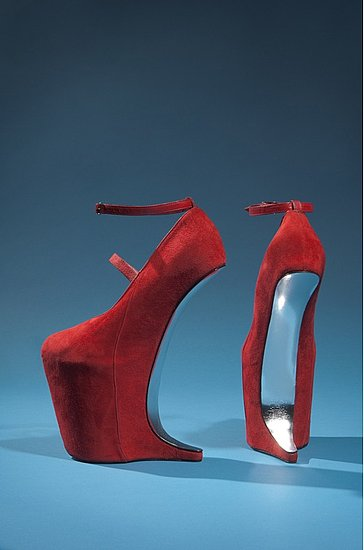 Daphne Guinness FIT Exhibit Preview Red Shoes Without Heels on Exshoesme.com